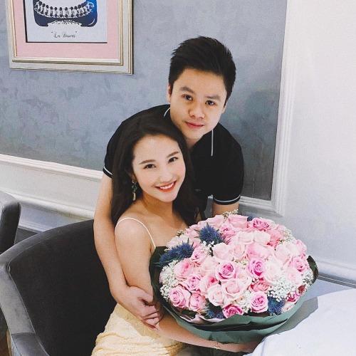 Primmy Trương hạnh phúc bên bạn trai Phan Thành khi đón sinh nhật tuổi 26 vào tháng 11/2018.