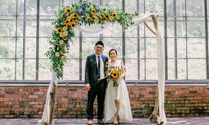 Tiệc cưới hoa hướng dương của cặp 'trúng tiếng sét ái tình'