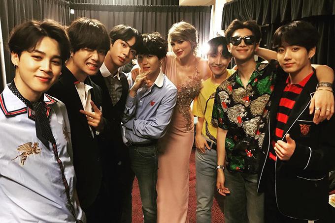 BTS cùng rắn chúa Taylor Swift.