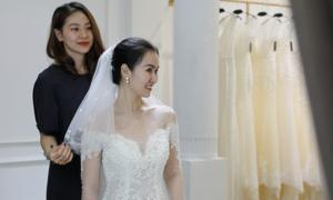 Võ Hạ Trâm hé lộ hình ảnh hai váy cưới trước thềm hôn lễ