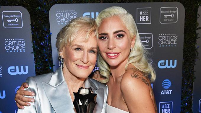 Lady Gaga chia sẻ niềm hạnh phúc đoạt giải với Glenn Close.