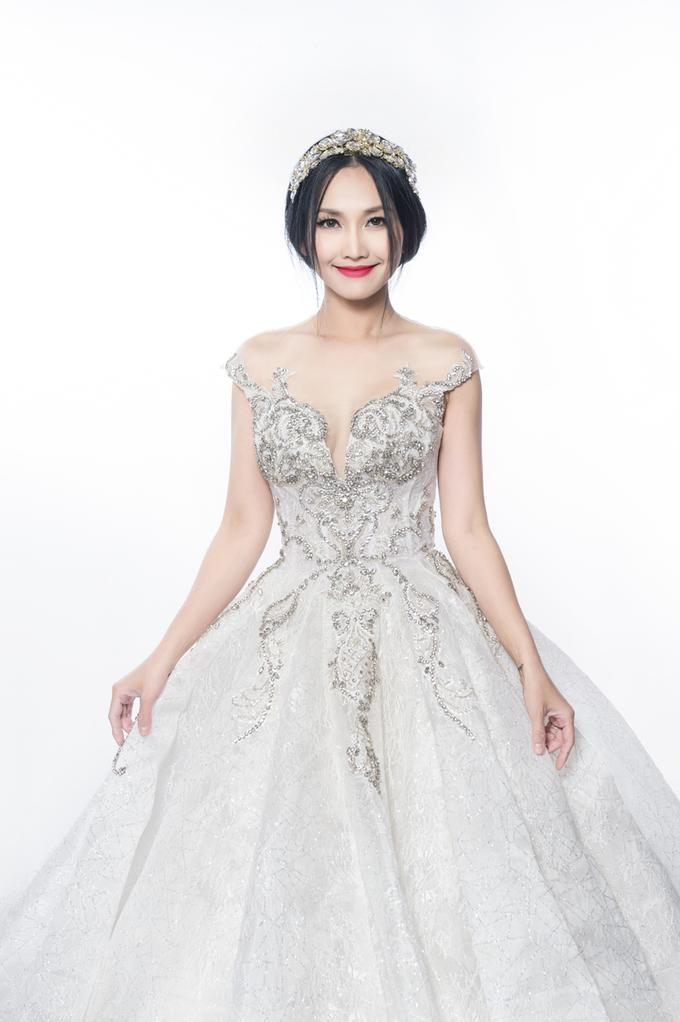 Diễn viên Kim Hiền gợi ý váy thịnh hành cho mùa cưới 2019
