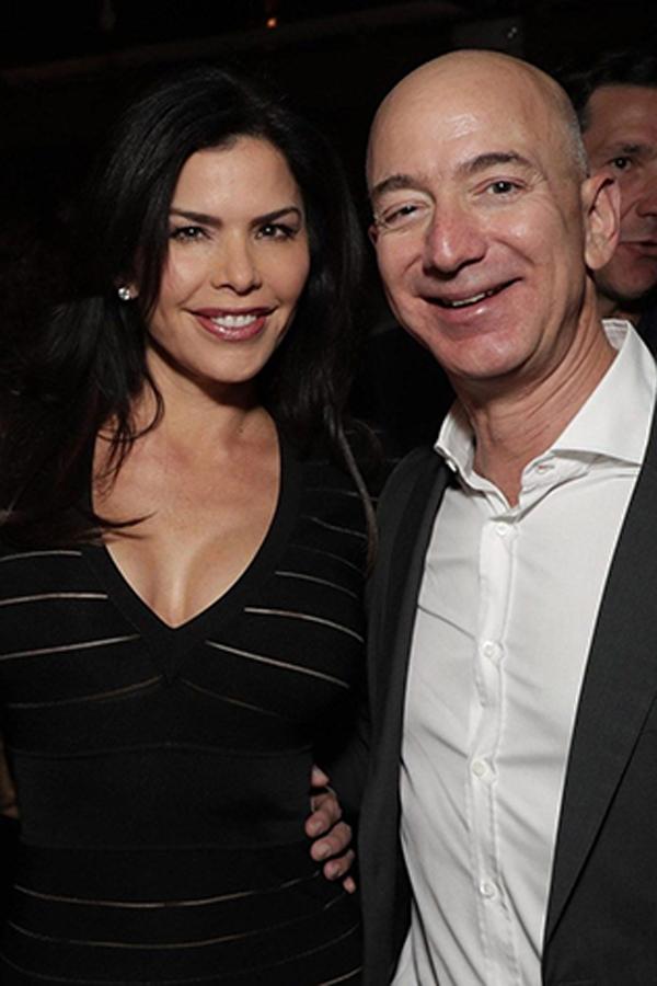 Bà Sanchezvà tỷ phú Jeff Bezos tạimột sự kiện năm 2016. Ảnh: Page Six.