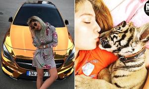 Con nhà giàu Thổ Nhĩ Kỳ đi xe hơi mạ vàng