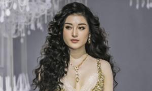 'Vẻ đẹp tự do' qua mái tóc và các thiết kế trong show Lý Quí Khánh