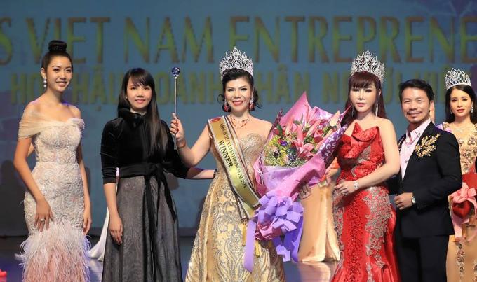 Kim Oanh đăng quang Hoa hậu Doanh nhân người Việt châu Á 2019  - 2