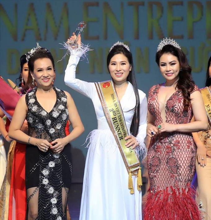 Kim Oanh đăng quang Hoa hậu Doanh nhân người Việt châu Á 2019  - 5