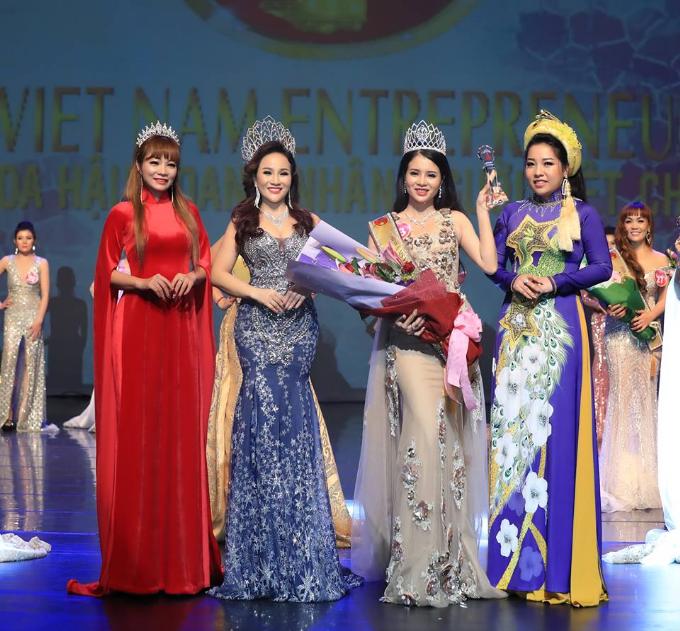 Kim Oanh đăng quang Hoa hậu Doanh nhân người Việt châu Á 2019  - 6