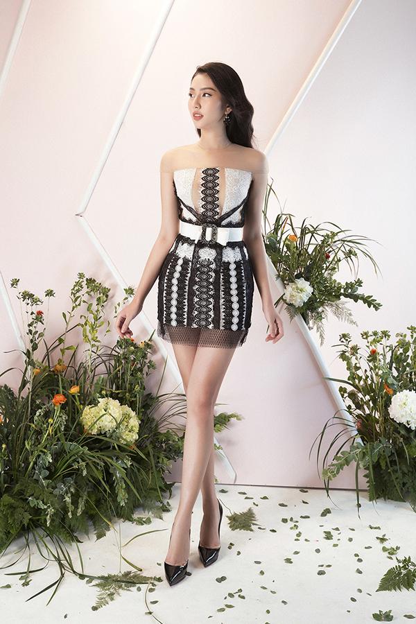 Gentle Spring  Nét dịu dàng ngày xuân là bộ sưu tập mới nhất của Đỗ Long dành cho các bạn gái yêu phong cách sexy.