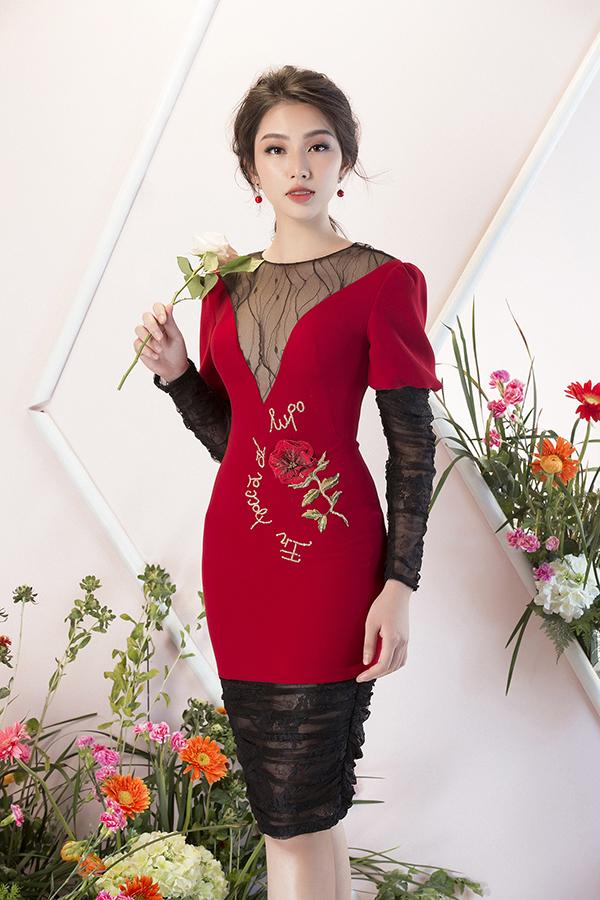 Bộ ảnh được thực hiện với sự hỗ trợ của nhiếp ảnh Lê Thiện Viễn, trang điểm Nguyễn Chánh Tín, người mẫu Thuỳ Tiên.