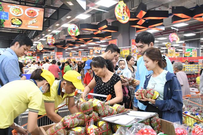 Chương trình mua hàng tại Co.opXtra Phạm Văn Đồng với cơ hội trúng thưởng giá trị sẽ kéo dài từ nay đến ngày 13/2.