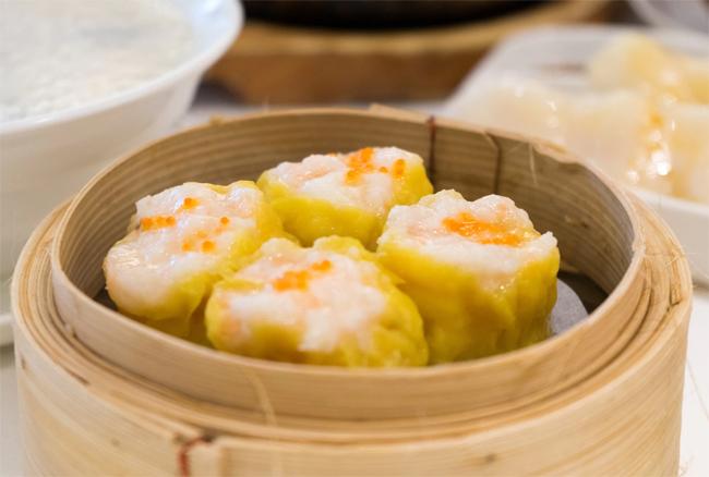 Du lịch Hong Kong đừng quên đi tàu điện và ăn dimsum