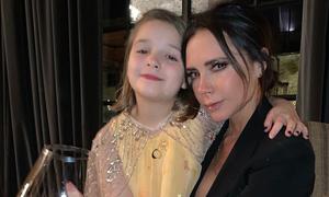 Victoria Beckham chi 1.200 bảng Anh cho kem dưỡng da chứa máu tự thân