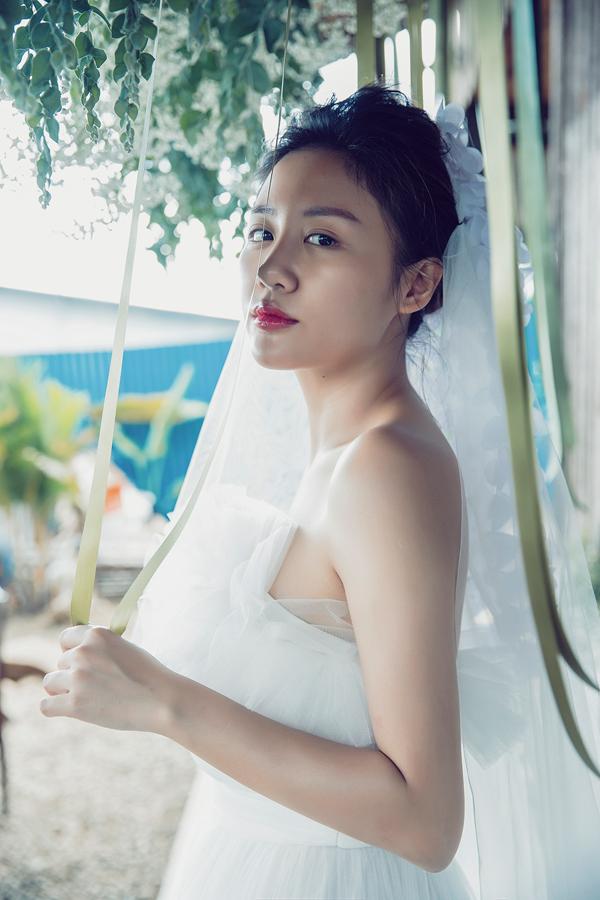 Sau hit Một ngày hay trăm năm, Văn Mai Hương tung MV mới Cầu hồn, một sáng tác của nhạc sĩ Hứa Kim Tuyền.