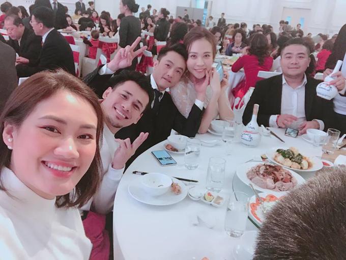 Đàm Thu Trang được mẹ Cường Đô La trao quà trong lễ đính hôn - 5