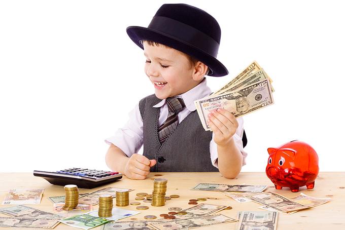 Người giàu luôn khuyến khích con cái đặt ra những mục tiêu lớn để chinh phục và đừng sợ thất bại. Ảnh: Ymcairede.