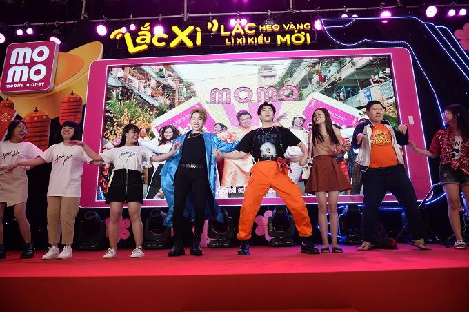 Tiếp đến là Erik và Đức Phúc, Quỳnh Anh Shyn, Cris Phan, Ribi, Huỳnh Hương& cũng cùng cover điệu nhảy vui nhộn. Fan khen màn biểu diễn của Chí Tài duyên dáng, chịu chơi và ấn tượng nhất.