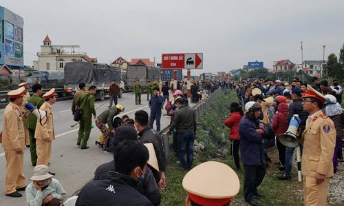 Hiện trường vụ tai nạn chiều 21/1 tại đoạn qua xã Kim Lương, Hải Dương. Ảnh: Giang Chinh.