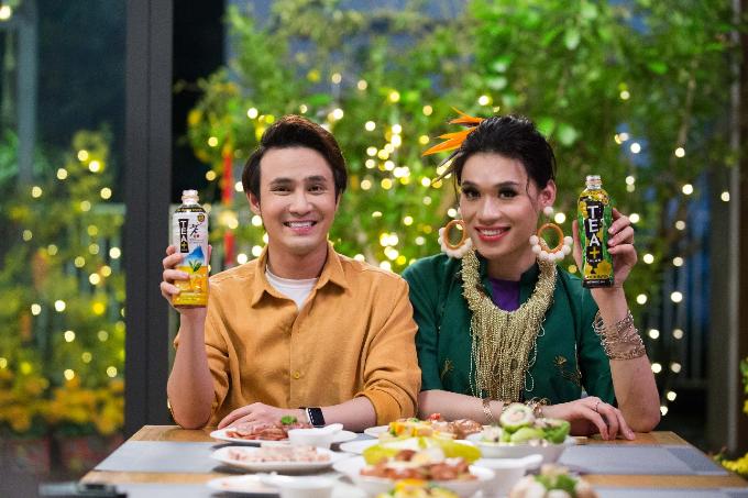 Nhờ có trà Ô Long TEA+ Plus và trà chanh Ô Long TEA+ Plus mà Quang Trung cứ bảo Huỳnh Lập thoải mái ăn uống không lo béo.