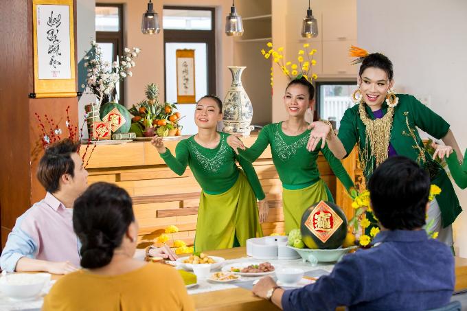 Bảo bối ăn uống thả ga ngày Tết của Huỳnh Lập và Quang Trung - 1