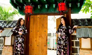 Hồng Vân, Hồng Đào gợi ý áo dài in hoa tôn dáng cho bà sui