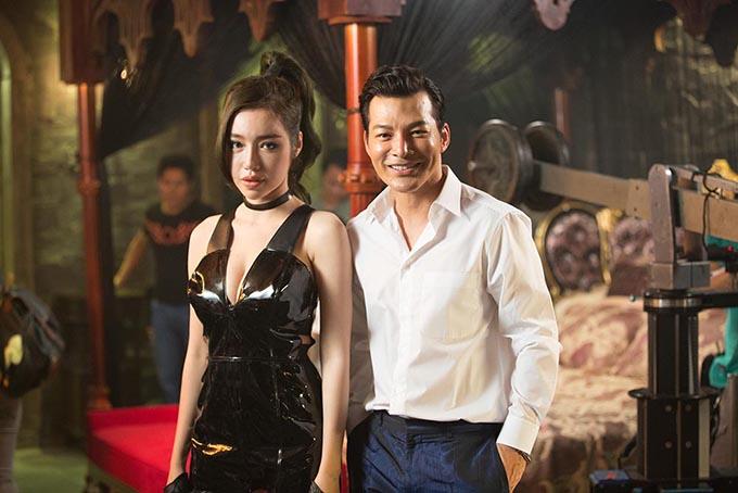 Elly Trần và Trần Bảo Sơn trong phim.