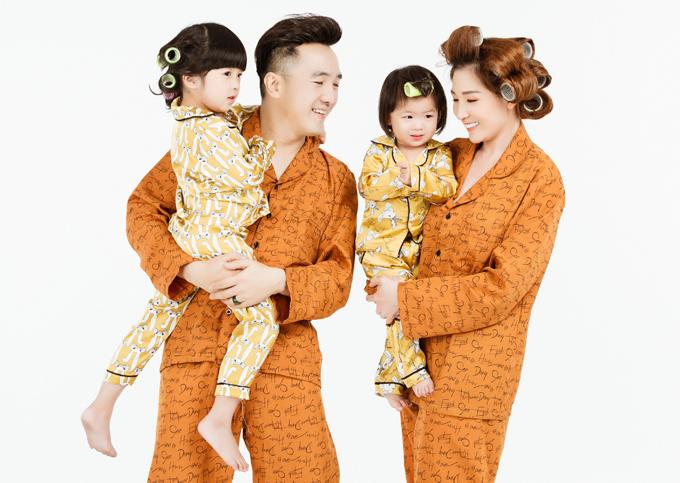 Con gái lớn của vợ chồng nam ca sĩ tên ở nhà là bé Shu còn con út tên Shi. Ngoài ra, Dương Ngọc Thái còn có một cậu con trai riêng với fan.