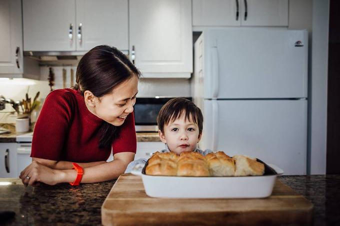 Bà mẹ Việt kiều từng tăng 20 kg sau khi sinh bé trai đầu lòng và thử nhiều cách để giảm cân bao gồm nhịn ăn nhưng không có hiệu quả.
