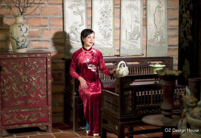 Diễn viên Chiều Xuân nền nã diện áo dài OZ Design House