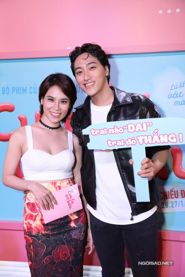 Vợ chồng vũ công Xuân Thảo - Đình Lộc đến ủng hộ vai diễn mới của Trấn Thành.