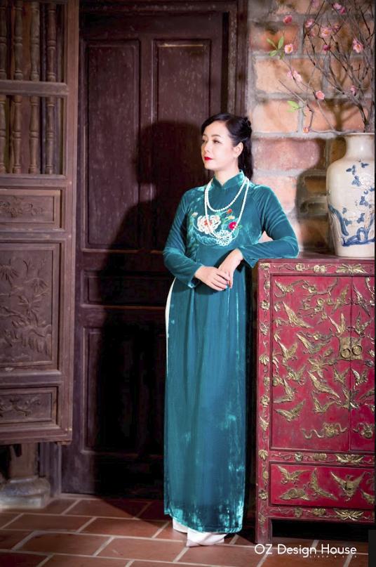 Diễn viên Chiều Xuân nền nã diện áo dài OZ Design House - 2