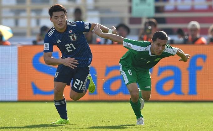 Ritsu Doan (trái) ghi bàn trong chiến thắng 3-2 của Nhật Bản trước Turkmenistan.