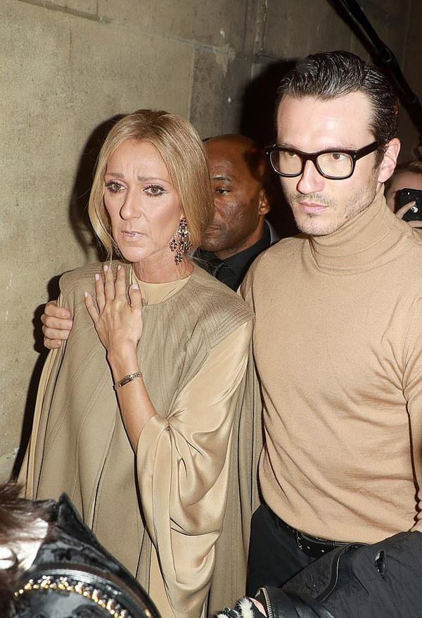 Pepe Munoz cũng hộ tống Celine đến xem show Valentino sáng 24/1. Từng có tin đồn hẹn hò giữa chàng vũ công trẻ và giọng ca My Heart Will Go On nhưng Pepe đã lên tiếng phủ nhận thông tin này.