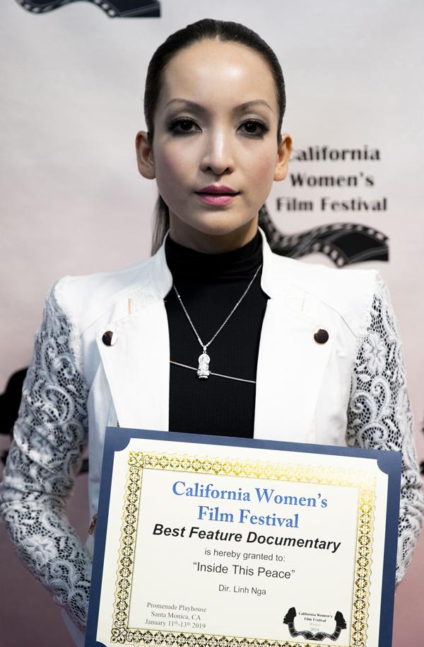 Nói về giải thưởng vừa đoạt được tại California Womens Film Festival, Linh Nga cho biết: Từ thành công này tôi mong sẽ cónhiềucơ hội gửi gắm thông điệp củaThoa - nhân vật chính trongphim cũng như của các nạn nhân chất độc da cam/dioxin nói chung ở Việt Nam đến bạn bè quốc tế.