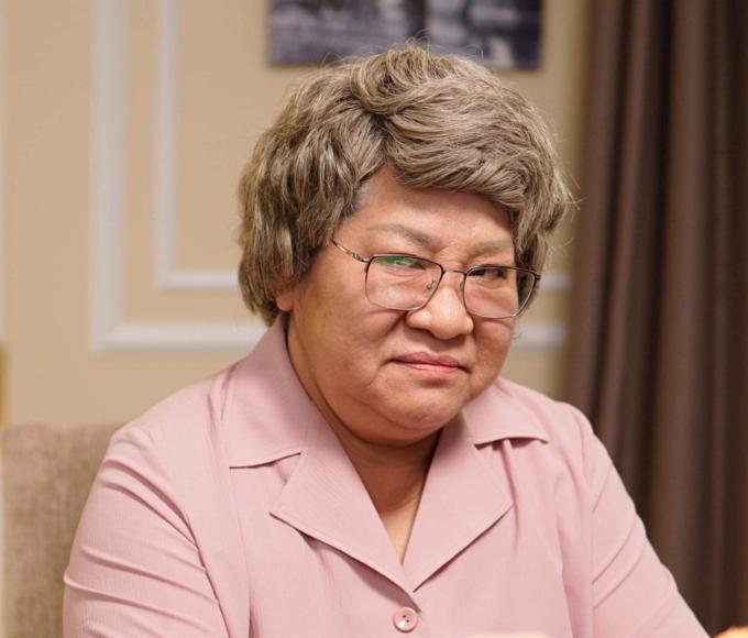 Nghệ sĩ Minh Vượng vào vai bà nội thích săm soi cháu dâu trong phim mới Nàng đâu order.