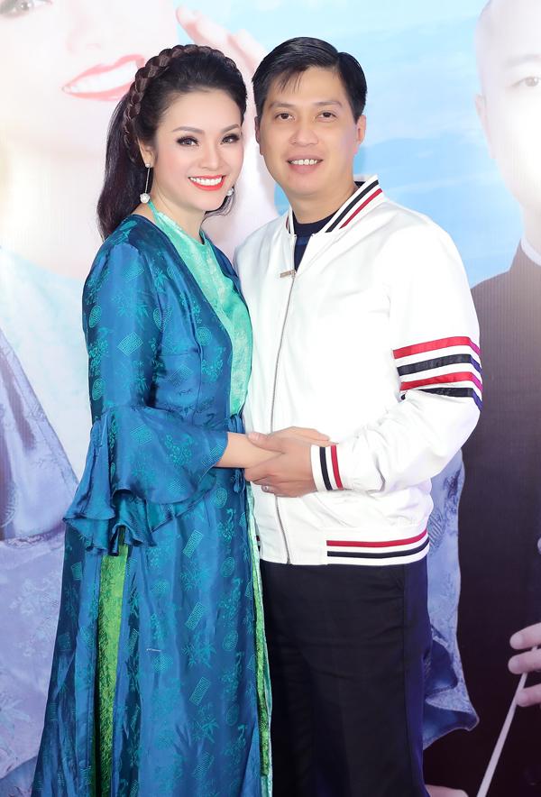 Vợ chồng Tân Nhàn - Tuấn Anh.