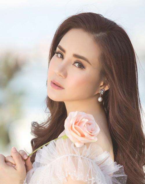 Ca sĩ Vy Oanh.