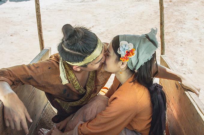 Nụ hôn trong phim của Trạng Quỳnh Quốc Anh và nàng Điềm Nhã Phương.