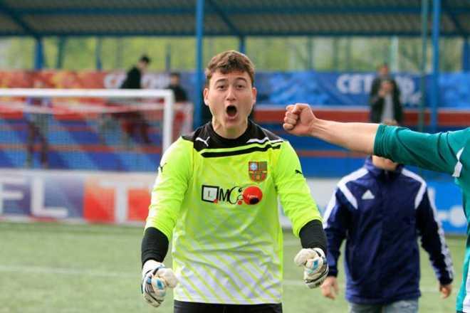 Văn Lâm chơi bóng cho các đội nhỏ ở Nga.
