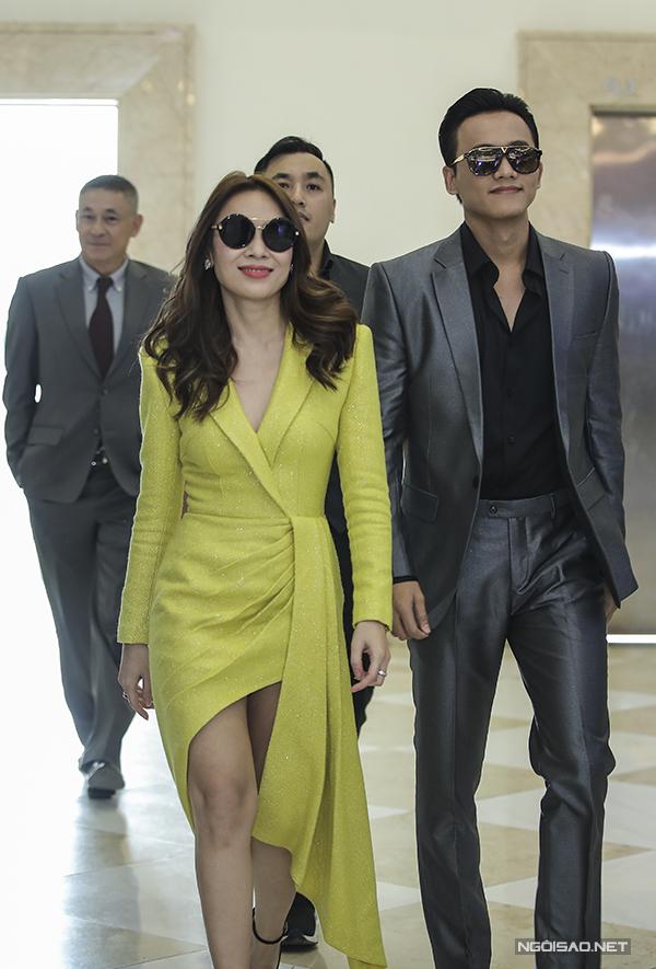 Cặp đôi diễn viên tại sự kiện ra mắt phim Chị trợ lý của anh ở Hà Nội.