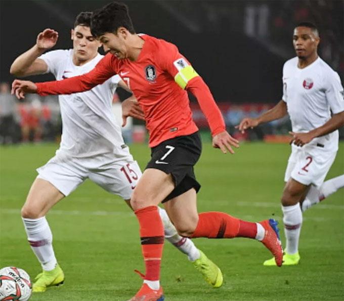 Fox Sports Asia đánh giá Son Heung-min chơi không tệ trong trận gặp Qatar.