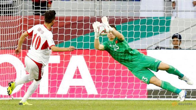 Đặng Văn Lâm vào top 5 thủ môn cứu thua nhiều nhất - 2