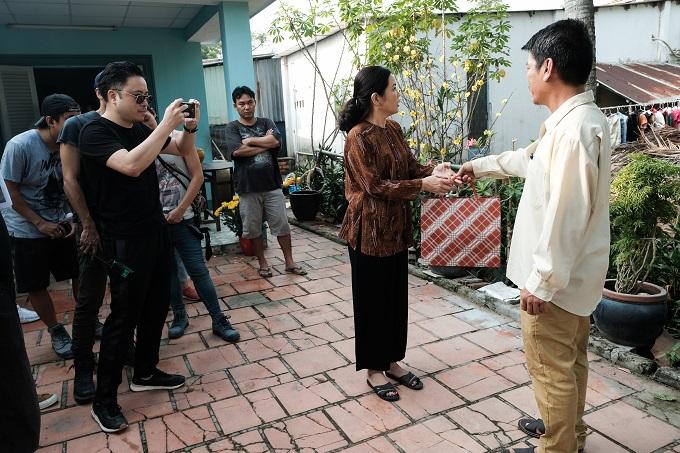 Đạo diễn Victor Vũ đích thân đứng máy trong quá trình thực hiện bộ phim.