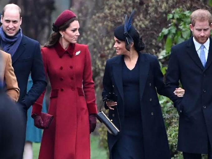 Hai cặp vợ chồng xuất hiện tại hoạt động mừng Giáng sinh của hoàng gia Anh ở Sandringham hôm 25/12 giữa tin đồn rạn nứt. Ảnh: AFP.