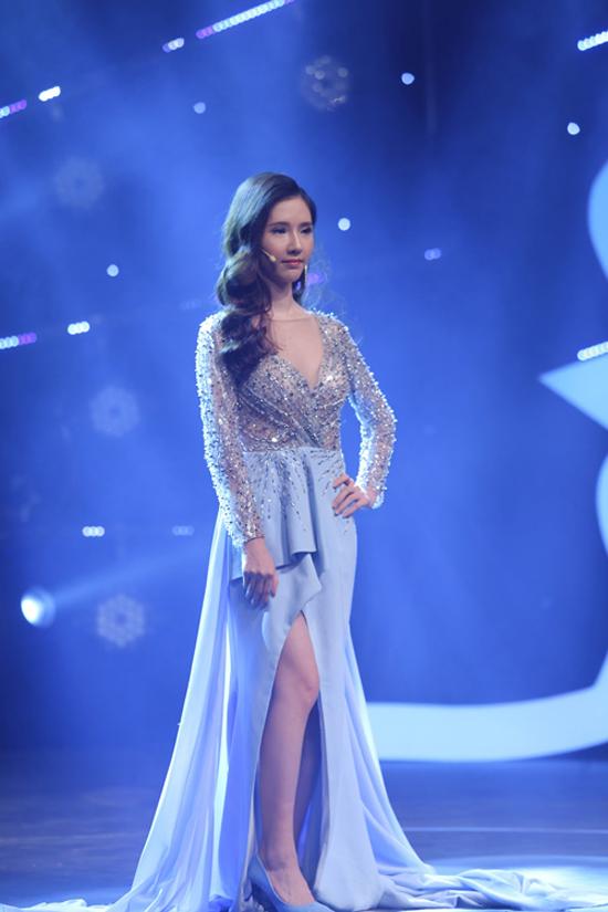 Trong đêm Gala tỏa sáng Hành trình lột xác Phan Thị May xinh đẹp, nổi bật trong bộ đầm dạ hội.
