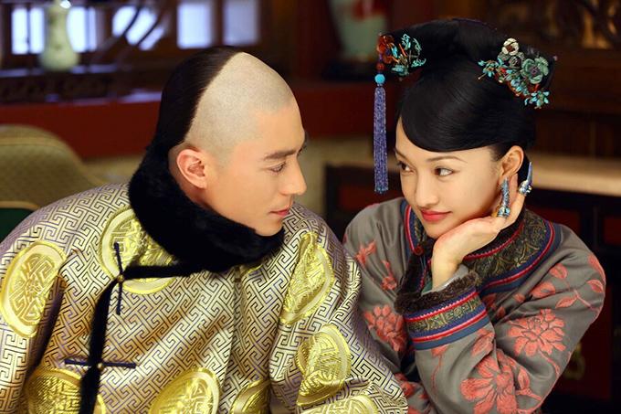 Châu Tấn (phải) và Hoắc Kiến Hoa vào vai hoàng hậu và vua Càn Long trong phim Như Ý truyện.