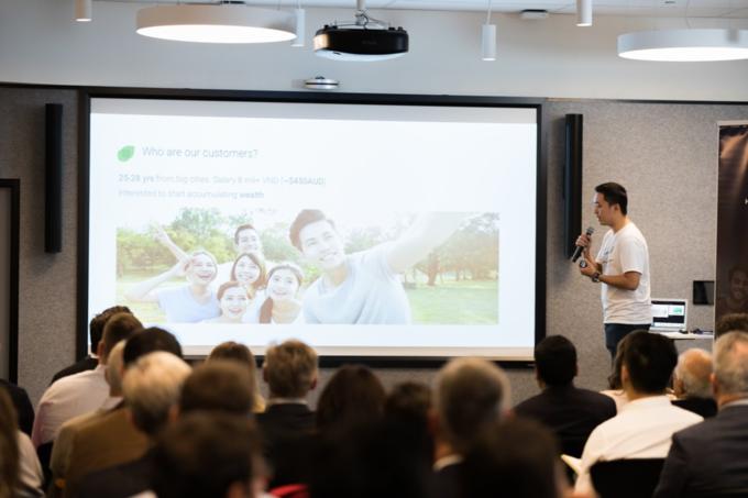 Huy thuyết trình dự án Finhay trước các nhà đầu tư, quỹ và ngân hàng lớn tại Australia tháng 6/2018.