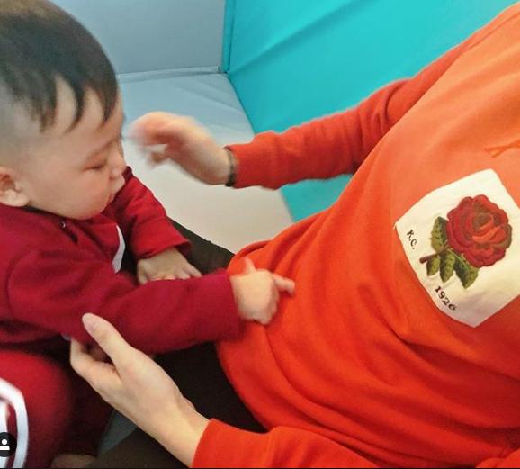 Chồng Hồ Hạnh Nhi khoe khéo sắp có con thứ hai.
