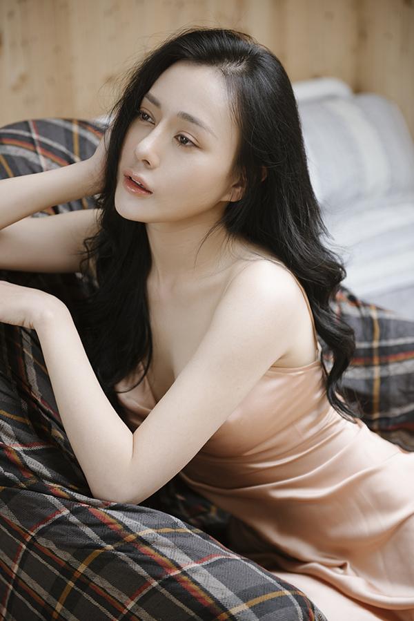 2019 là một năm nhiều may mắn và thành công của nữ diễn viên khi bộ phim Quỳnh búp bê do cô đóng chính trở thành bom tấn truyền hình.