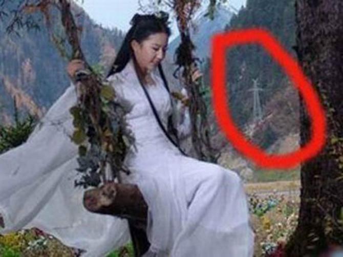Tuyệt tình cốc nơi Cô Cô Tiểu Long Nữ ẩn cư có cột điện?